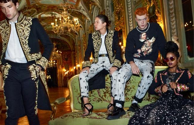 (左)ジャケット¥34,999(オンライン限定) シャツ¥13,999 パンツ¥9,999 (左中)シャツ¥13,999 パンツ¥9,999 (右中)スウェット¥9,999 パンツ¥9,999 (右)ジャケット¥18,999 ドレス¥39,999