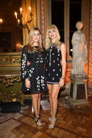 (左)ヴァレンティ―ナ・フェラーニ、(右)キアラ・フェラーニ