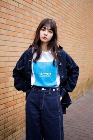 モデル:愛花 (@hi_erica_) Tシャツ¥1,799