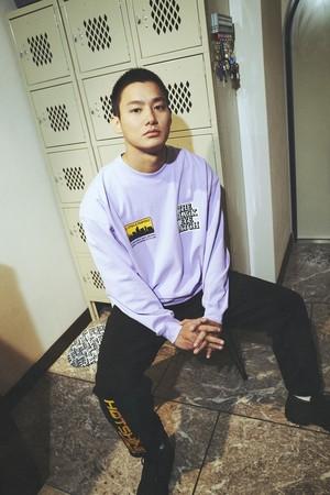 ロングスリーブTシャツ¥2,499 ジョガーパンツ¥3,999