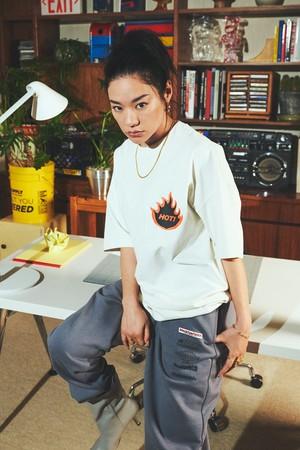 Tシャツ¥1,799 ジョガーパンツ¥3,999