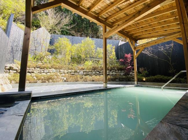 仙石原ススキの原一の湯大浴場