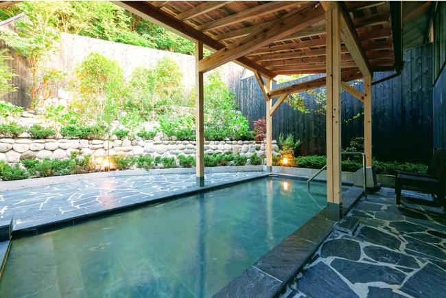 仙石原ススキの原一の湯大浴場露天風呂