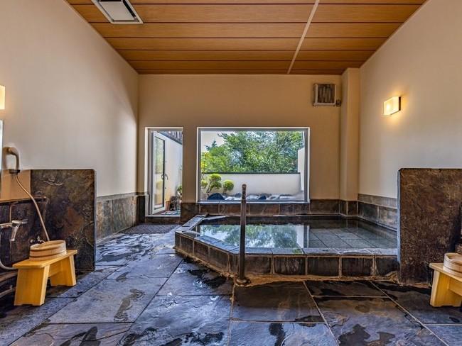 仙石原品の木一の湯大浴場