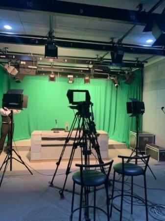 ウズベキスタン教育省撮影スタジオ