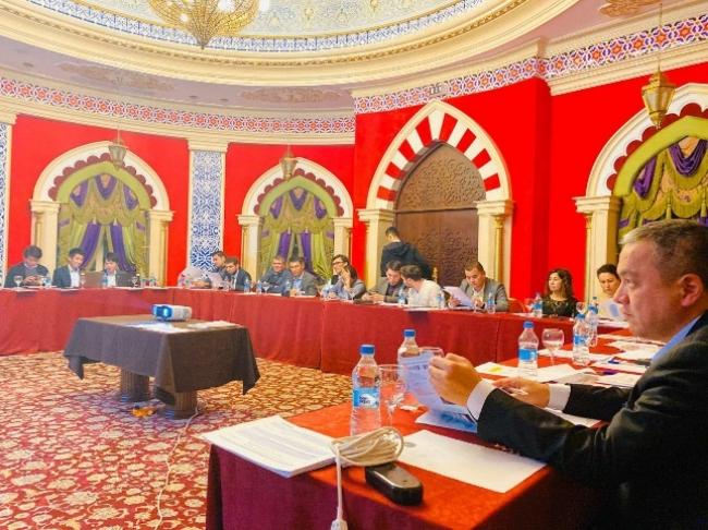 ウズベキスタン教育省、民間教育機関 協議風景