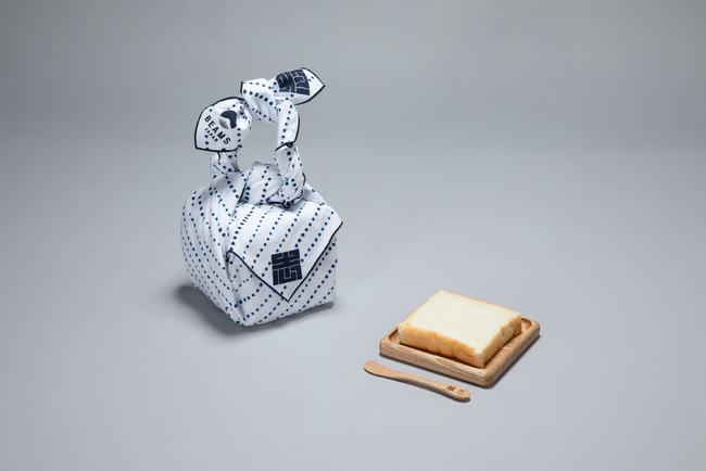 い志かわ:最高級食パンのための風呂敷、木皿、バターナイフ