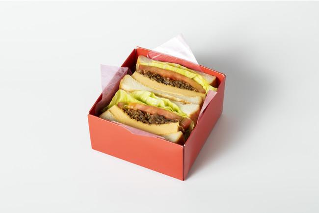 い志かわ × スギモト:牛しぐれ煮とふわふわ玉子の贅沢サンドイッチ