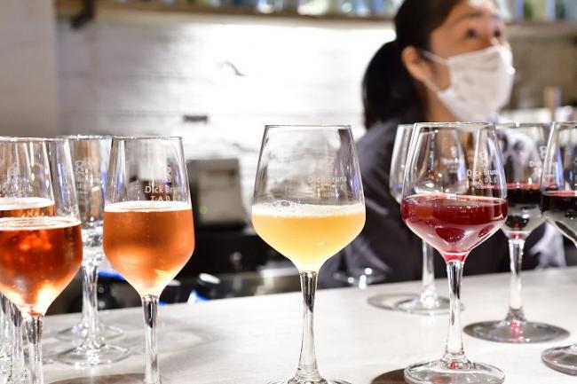 ディック・ブルーナ作品をテーマにした店舗で、本格的にお酒を提供するのは世界初