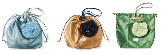 デザインは〈ブルーグレー×空ネコ〉〈キャメル×黒ネコ〉〈ミントグリーン×ミントネコ〉の3種類、バッグやオフィス、マイカーの中などにそれぞれ用意しておくと、忘れることがなく便利です。