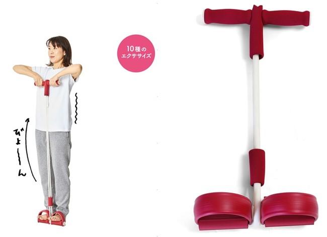 足に掛けて引っ張るだけ。チューブの負荷で筋トレ効果UP!背中、二の腕、ウエストまわりなど10種のエクササイズに。