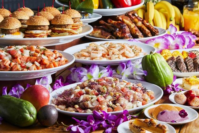 ハワイアンメニューが前菜からデザートまで食べ放題