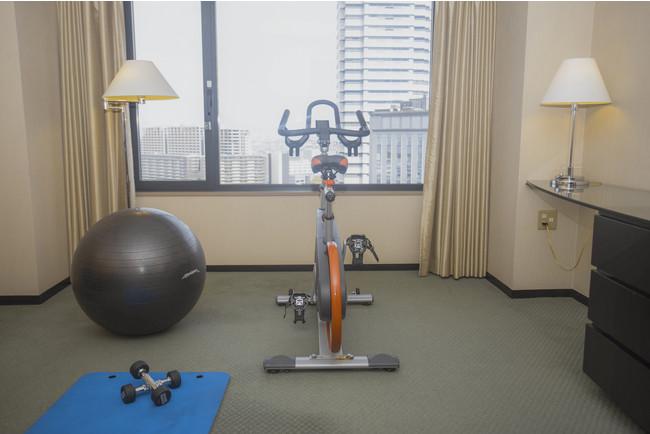 エクササイズルーム:運動を習慣にされている方はもちろん、この機会にヨガやストレッチを