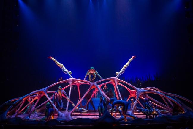 「カラペース」Photo:Matt Beard Costumes:Kym Barrett (C) 2014 Cirque du Soleil