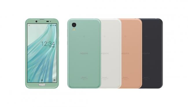KDDI株式会社向けスマートフォン「AQUOS sense2」<SHV43> (左から、アイスグリーン、シルキーホワイト、ピンクゴールド、ニュアンスブラック)