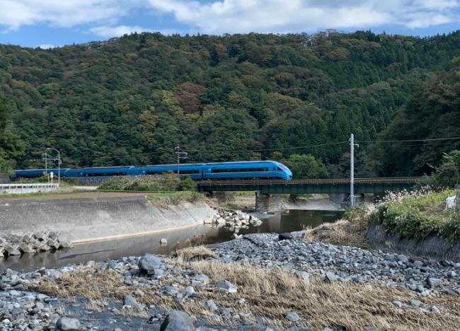 「ふじさん号」に使用する「特急ロマンスカー・MSE(60000形)」