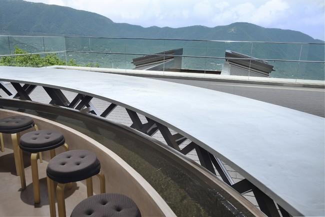 「cu―mo箱根」内の足湯から楽しめる風景