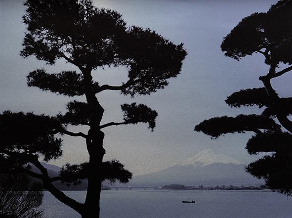 Pine and Mt.Fuji (Kawaguchi-ko Lake) (C)Mineko Orisaku