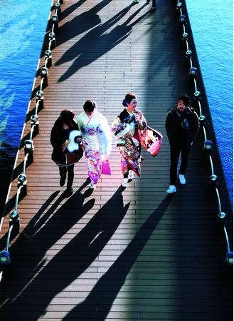 第59回 フジコン大賞 「成人の日」 外勢 肇(愛知県)