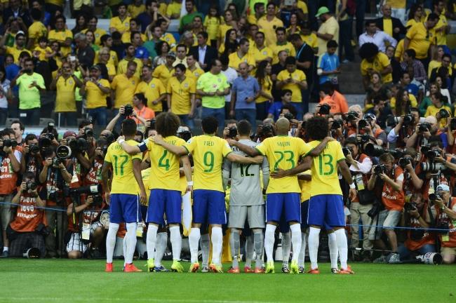 チームフォト撮影に臨むブラジル代表選手