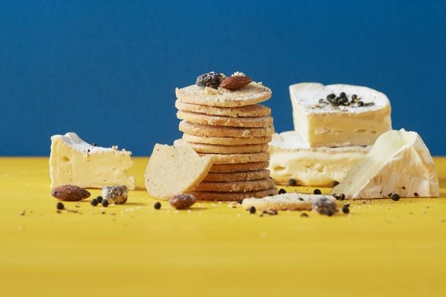 チーズクッキー(カマンベール&ブラックペッパー)