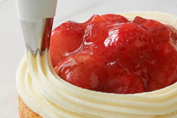 【ルタオ】苺を存分につかった華やかな新スイーツが、期間限定でルタオ公式オンラインショップに登場!