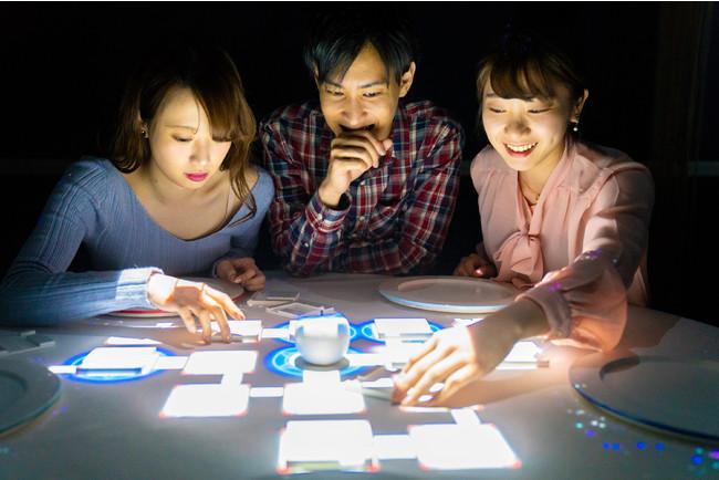 プロジェクションテーブルゲームプロジェクションの様子1