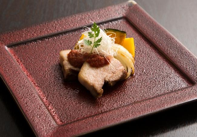 庄原産瀬戸もみじ(豚肉)のソテーと庄原産白葱の針打ち 庄原産野菜の素揚げ