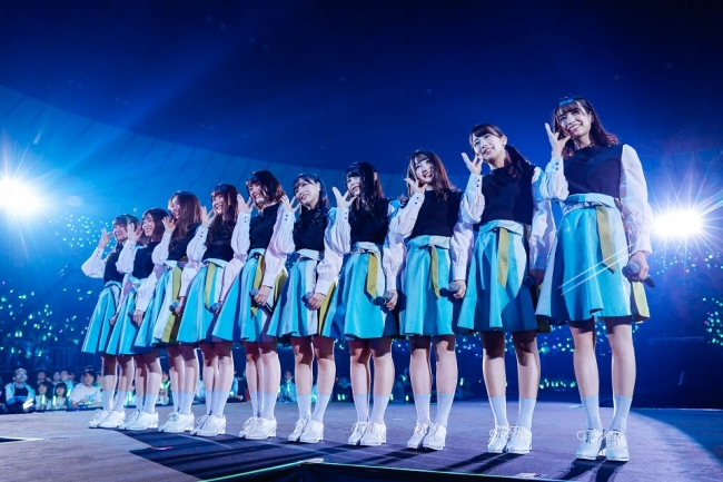 一本の欅から青空が生まれる\u201d日向坂46デビューカウントダウン