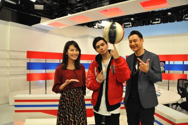 (左より)渋佐和桂奈、ZiNEZ、長澤壮太郎 (C)WOWOW