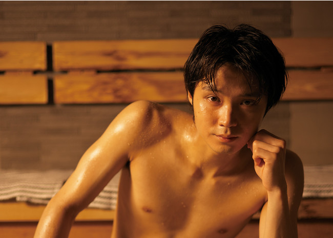 本書の表紙を飾る磯村勇斗さんは、自身の冠番組『サウナーーーズ』(WOWOW)や7月からスタートするドラマ『サ道2021』(テレビ東京)にも出演。