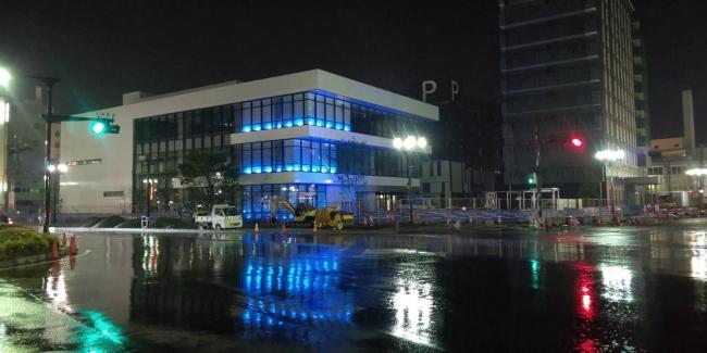 三原市立中央図書館(建設中)ブルーライトアップ状況