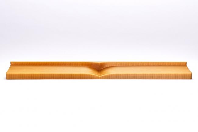 McLaren MCL32リアウィングフラップ用のコンポジットレイアップ・ツール。Stratasys Fortus 900mc 3Dプリンタで、ULTEM 1010材料を使って製作された。