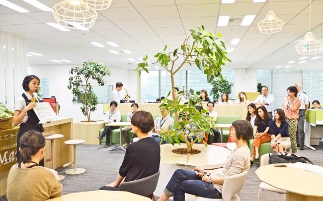 「ショク(食)」 オフィス内コミュニケーションスペースで月1実施する食育マルシェ