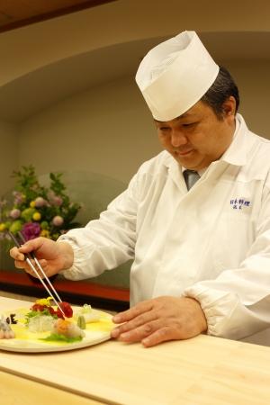 日本料理料理長 依木 新