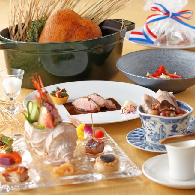 THE DINING シノワ唐紅花&鉄板フレンチ蒔絵『新潟の味覚と新潟の財』