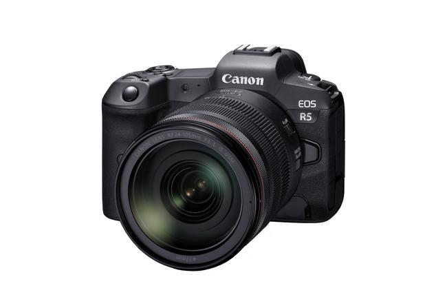 EOS R5(ミラーレスカメラ)*RF24-105mm F4 L IS USM装着時