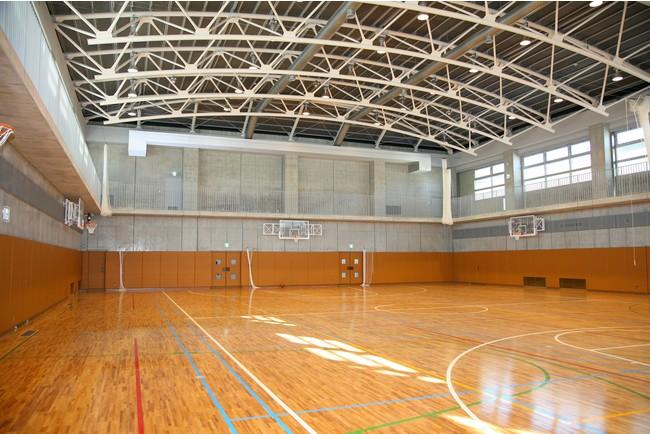 ワクチン接種会場として大田区に提供するキヤノン下丸子体育館(内部)