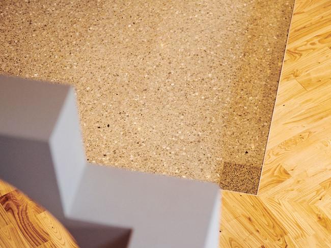 柱の跡も床の模様のアクセントに