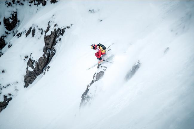 決まっているのはスタートとゴールのみ。地形と雪質を読む力が重要となる。