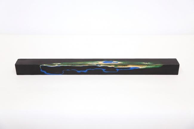 untitled  角材・漆・貝/48.0×3.6×3.6cm/2016