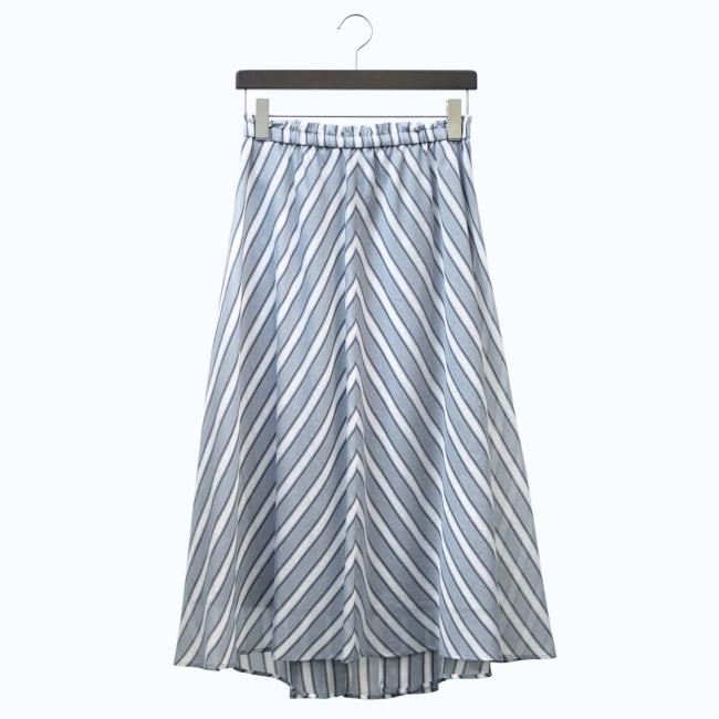 スカート(5~11号)¥31,320 (13~17号)¥32,400 *全て税込 カラー:グレー×ホワイト系