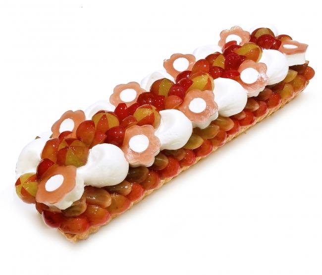 ながの東急店 長野県産「シナノスマイル」とミルクバニラムースのケーキ