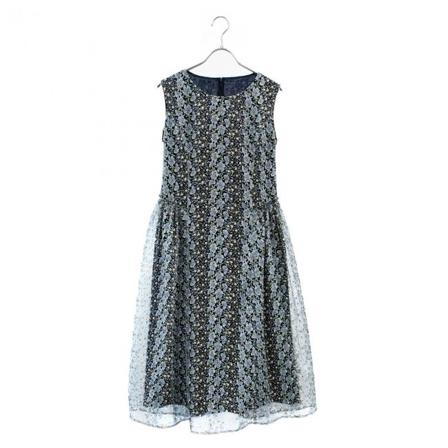ドレス ¥36,720(税込)