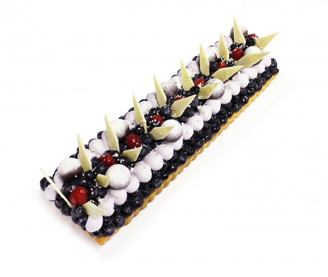 「カヲル」のケーキ ~ブルーベリーとチョコレートのケーキ~ ベース:ビターチョコレート