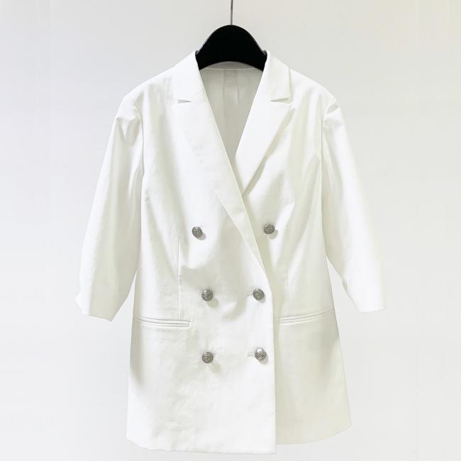 ジャケット(ホワイト) 33,000円(税込)