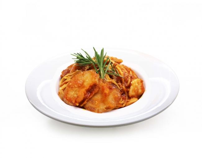 ローズマリーチキンとポテトのトマトソースパスタ