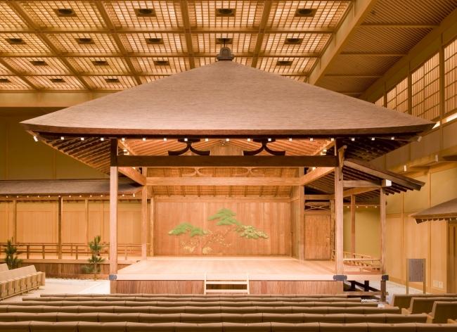 この冬、横浜能楽堂で大人なお稽古してみませんか?2