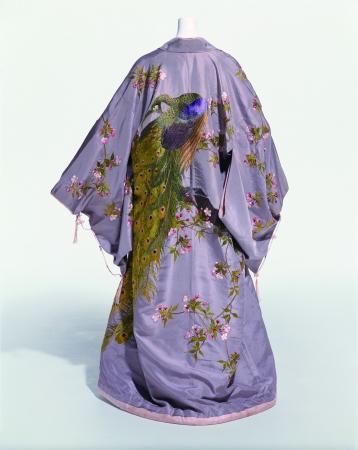 着物 飯田髙島屋 「室内着」 1905(明39)年頃 操上和美撮影