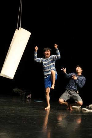 『フリフリ』 Photo.Tsukada Youichi